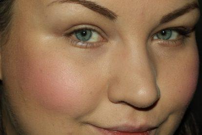 DIOR Rosy Glow Healthy Glow Awakening Blush: after (Flash)