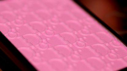 DIOR Rosy Glow Healthy Glow Awakening Blush Closeup