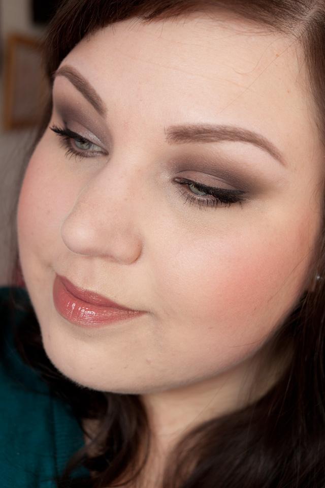 MAC Studio Fix Fluid Foundation NW10 Review: full Makeup