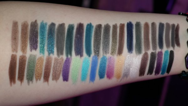 URBAN DECAY 24/7 Glide-on Swatches