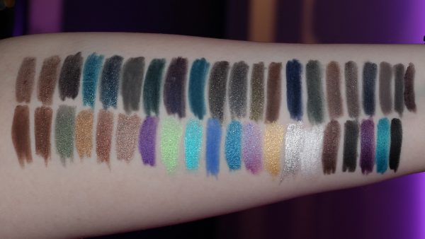 URBAN DECAY 24/7 Glide-on Pencil Swatches