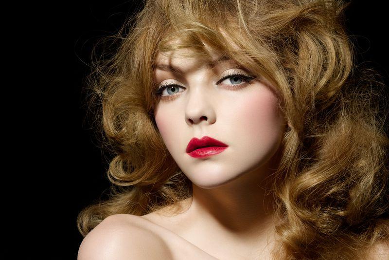 NARS Pure Matte Lipstick Model