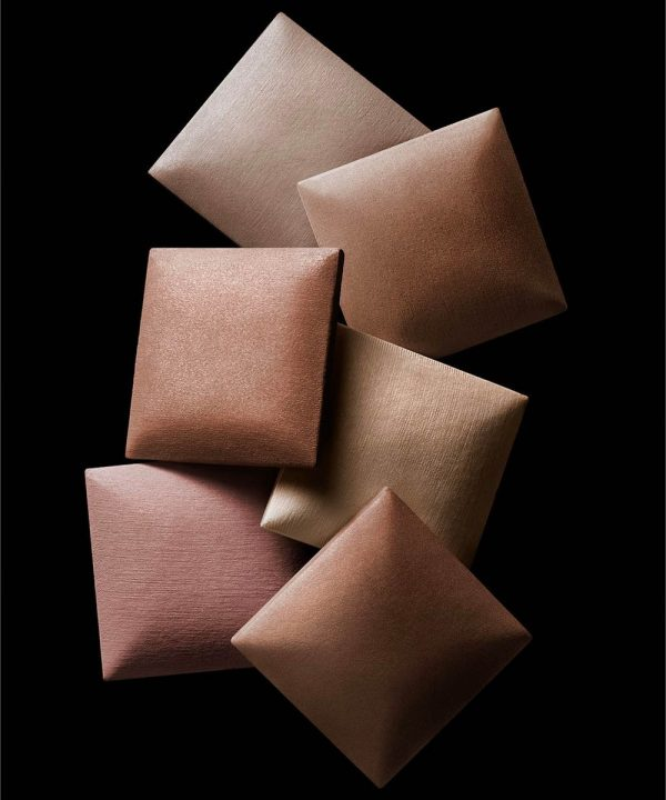 HOURGLASS Ambient Lighting Powder Cushion Ambient