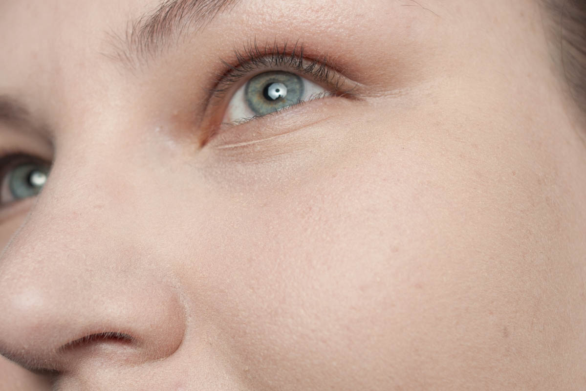 "Blitz: MAC Pro Performance HD Airbrush Makeup 'NC10"""