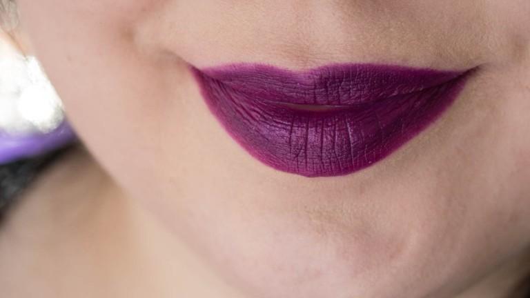 LIME CRIME Poisonberry Lipstick Tageslicht