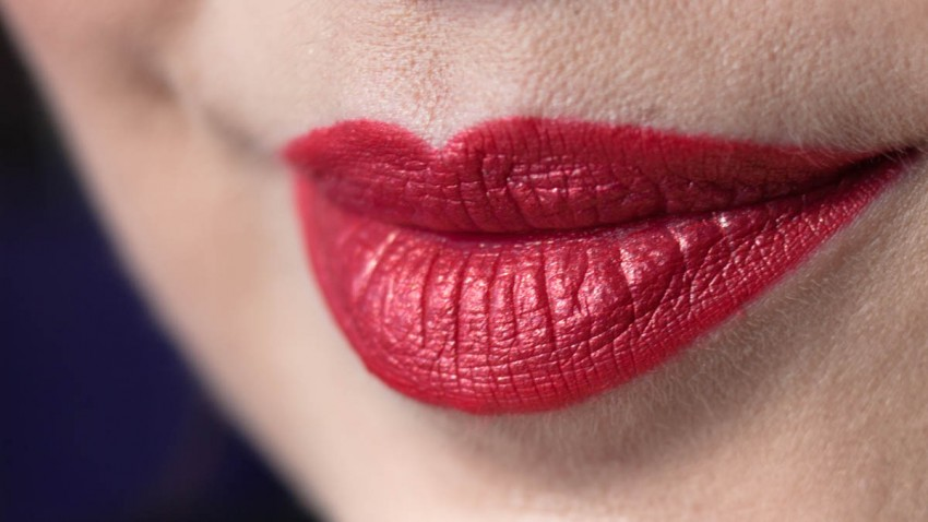 LIME CRIME Lady Perlees Lipstick im Sonnenlicht