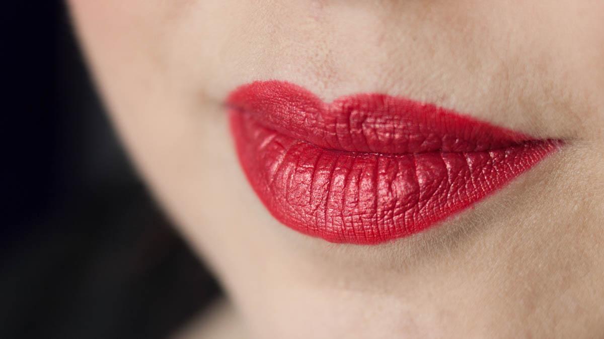 LIME CRIME Lady Perlees Lipstick im Tageslicht