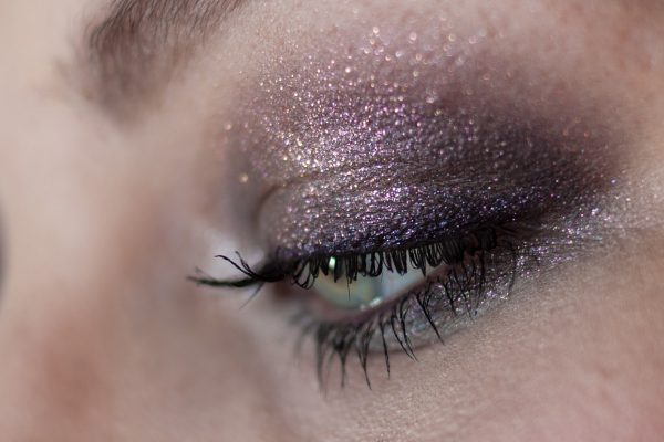 URBAN DECAY Ether Moondust Eyeshadow Makeup Details