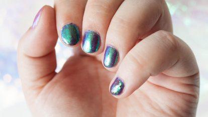 Mermaid Nails bei indirektem Tageslicht