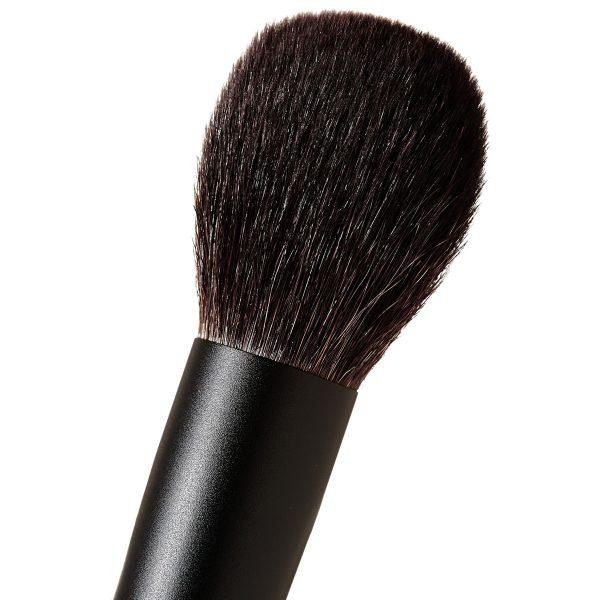 SURRATT BEAUTY Artistique Cheek Brush Detail
