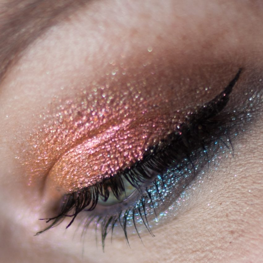 URBAN DECAY Moondust Eyeshadow Palette Makeup Closeup