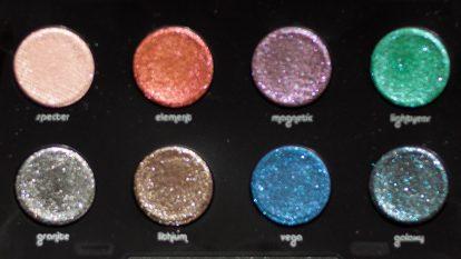 URBAN DECAY Moondust Eyeshadow Palette Shades unscharf