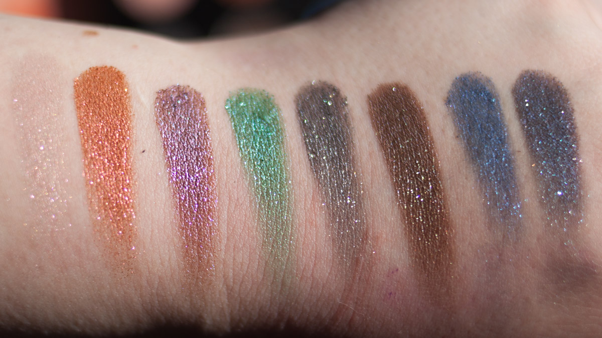 URBAN DECAY Moondust Eyeshadow Palette Swatches indirekt