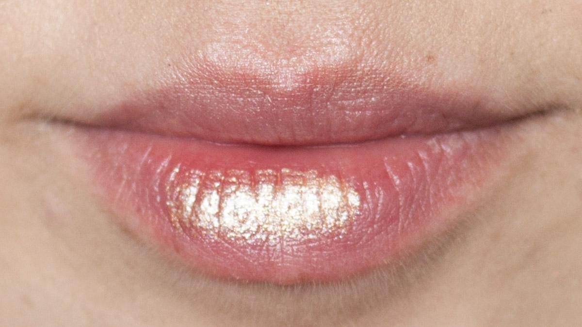 Ein Wisch JOUER Long-Wear Lip Topper Skinny Dip