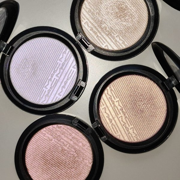 MAC Extra Dimension Skinfinish Highlighter Duochrome Flash