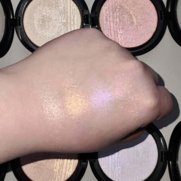 MAC Extra Dimension Skinfinish Highlighter Duochrome Swatches Shimmer