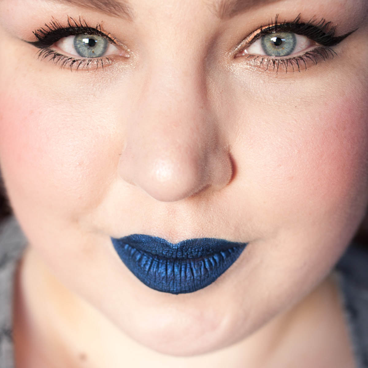 COLORED RAINE Blue Dragon Liquid Lip Paint Lipstick Metallic Blue Lips Makeup-3