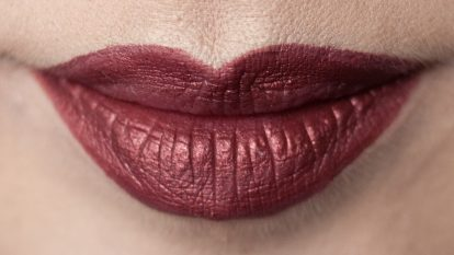 SUGARPILL Strange Love Liquid LIpstick metallic burgundy Feline Fancy 5