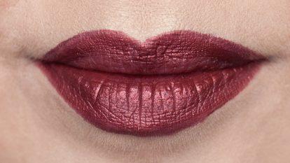 SUGARPILL Strange Love Liquid Lipstick | Ringlicht