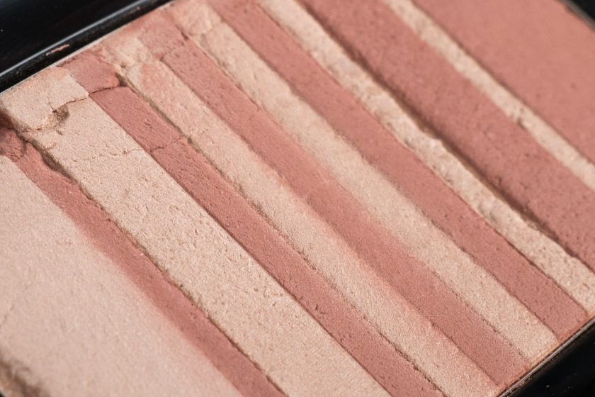 MARC JACOBS Flesh & Fantasy Air Blush Soft Glow Duo Review Swatch Detail Flash