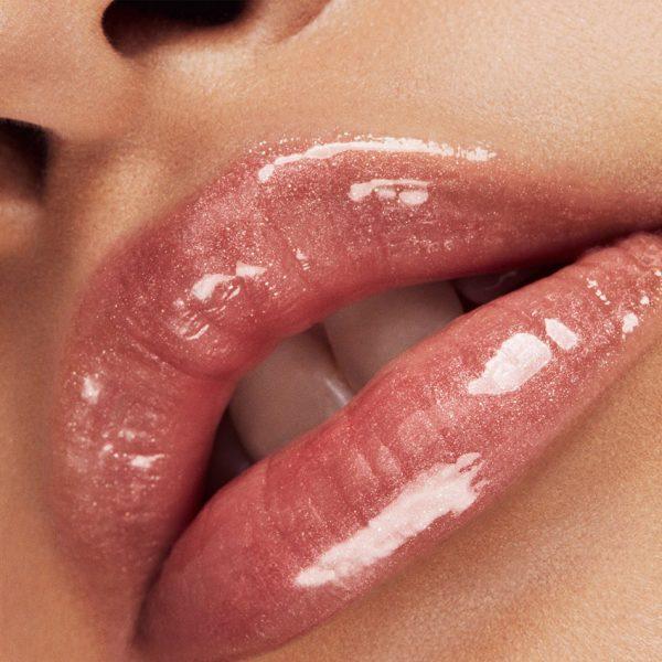 FENTY BEAUTY Fussy Gloss Bomb Universal Lip Luminizer Lipgloss Swatch