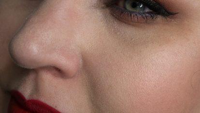 FENTY BEAUTY by Rihanna Pro Filtr Foundation 100 Review Demo Swatch Face Finish 14