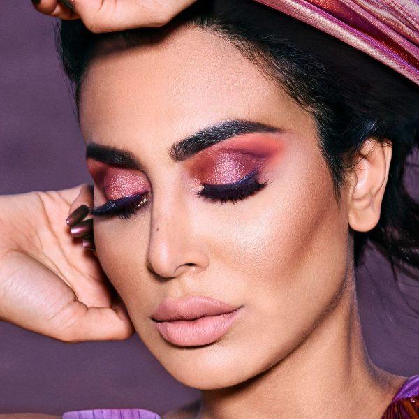 HUDA BEAUTY Desert Dusk Eyeshadow Palette Look
