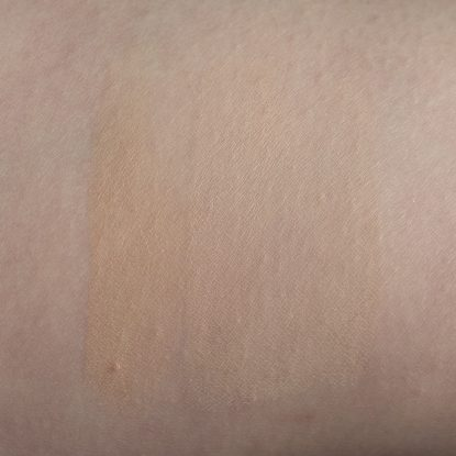 THE ORDINARY Serum Foundation 1.0N CATRICE HD Liquid Coverage 010 MAC Studio Fix Fluid NW10 Swatches dry