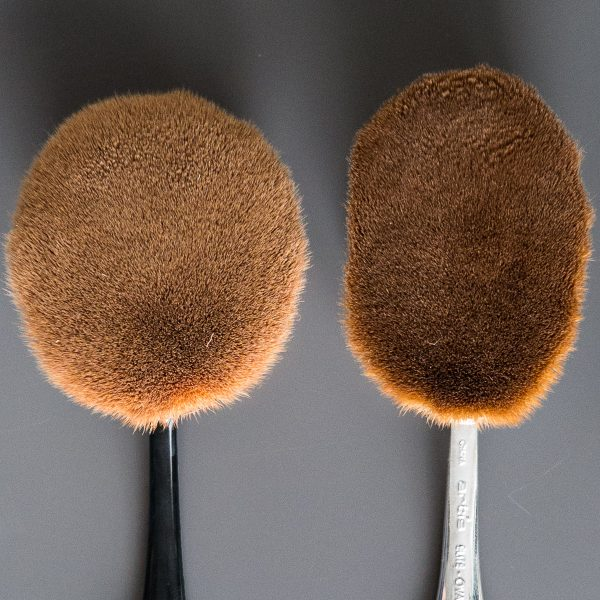 ARTIS BRUSH Oval 8 Elite Mirror vs Dupe China Amazon Detail