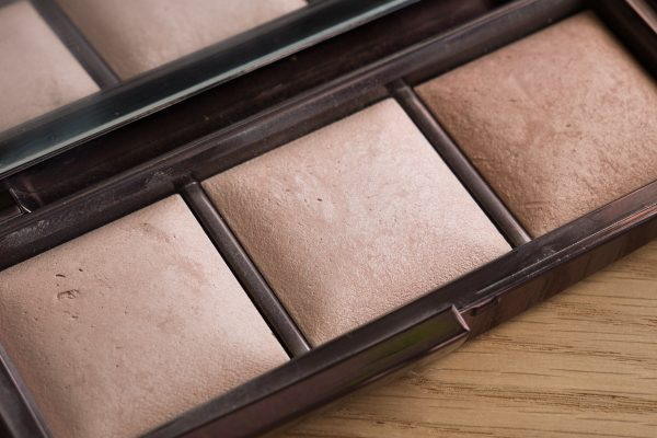 HOURGLASS Ambient Lighting Powder Swatches Reviews Demo Strobe Ethereal Light Palette Incandecent 10