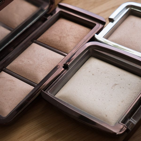 HOURGLASS Ambient Lighting Powder Swatches Reviews Demo Strobe Ethereal Light Palette Incandecent 12