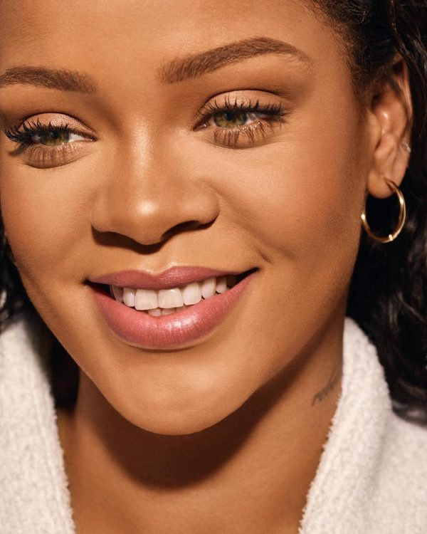 FENTY BEAUTY Pro Filtr Instant Retouch Concealer Rihanna Visual