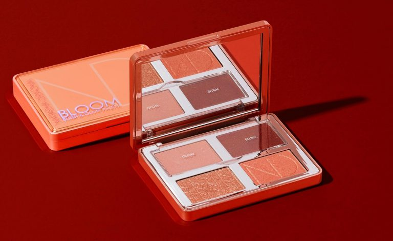 NATASHA DENONA Bloom Blush Glow Palette Ambient