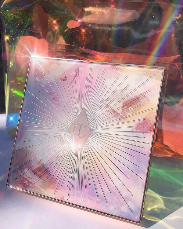 CHARLOTTE TILBURY Glowgasm Face Palette Packaging