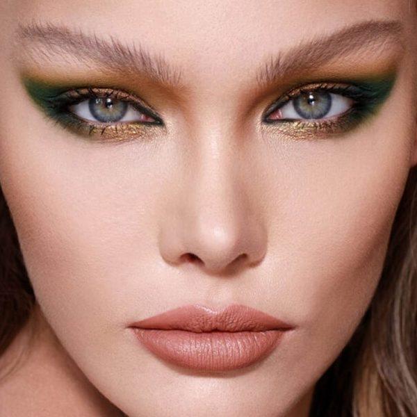 NATASHA DENONA Metropolis Eyeshadow Palette Model