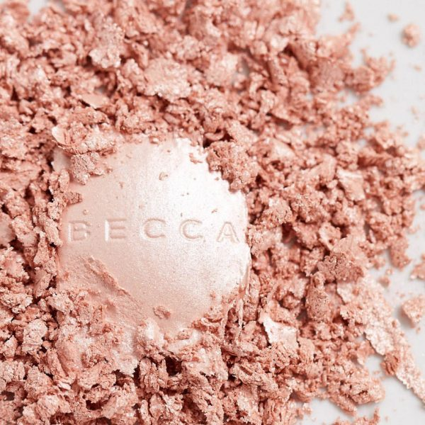 BECCA Pearl Glow Luster Glow Powder Highlighter Closeup
