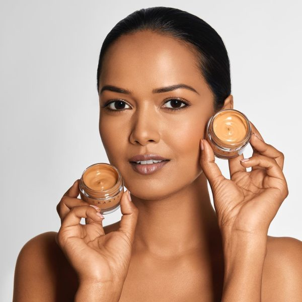 CHANTECAILLE Future Skin Foundation Model