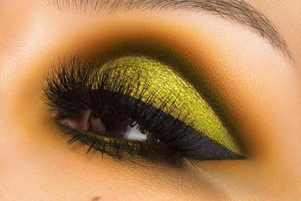 MELT COSMETICS Gemini Eyeshadow Palette Look Lora