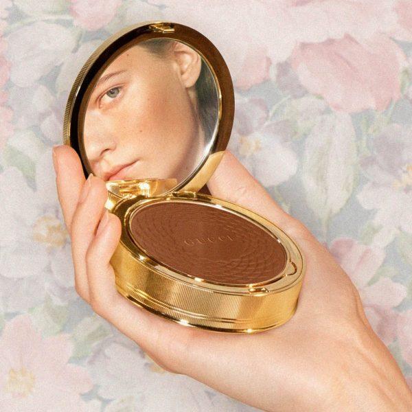 GUCCI Poudre de Beaute Eclat Soleil Bronzing Powder Bronzer Ambient Image
