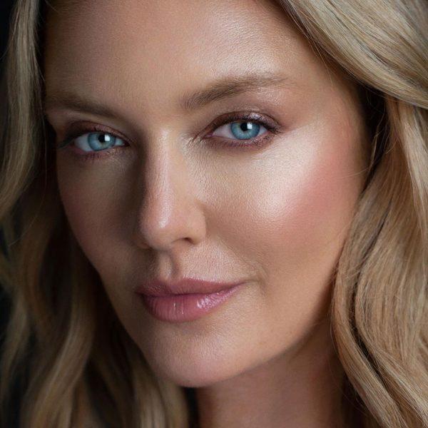 WAYNE GOSS The Weightless Veil Blush Palette Light Skin