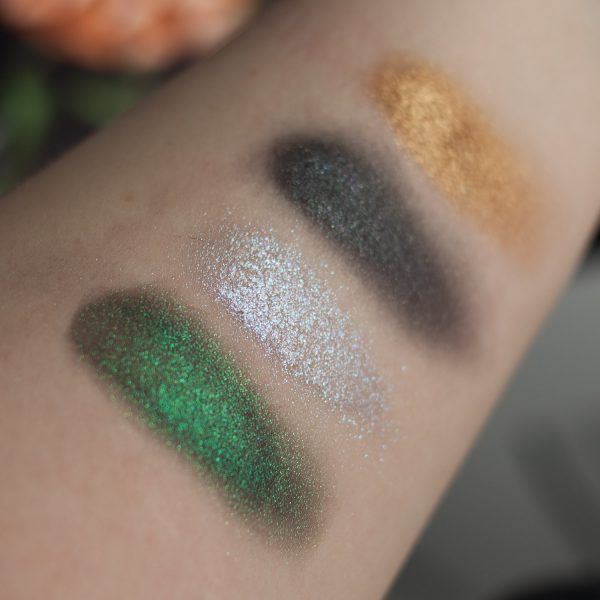 LINDA HALLBERG Enchanted Mysteries Eyeshadow Palette Quad Multichrome Swatches wet Shimmer