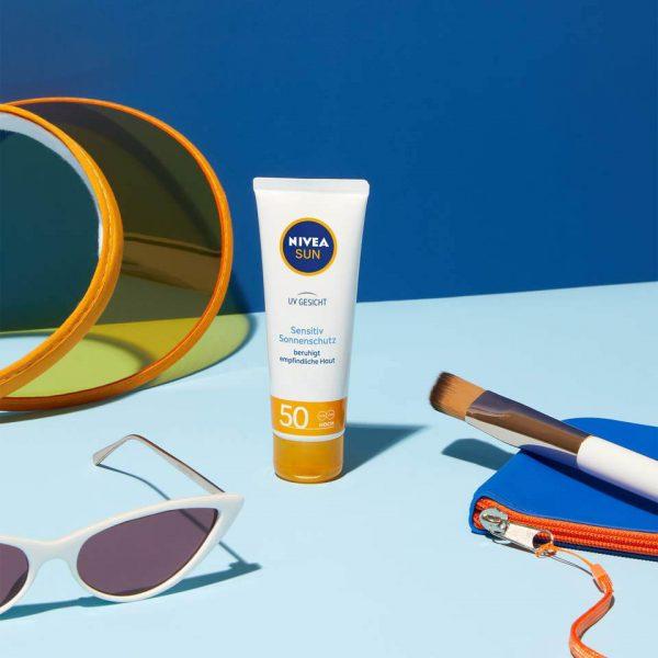 NIVEA SUN UV Gesicht Sensitiv Sonnenschutz SPF 50+ beruhigt empfindliche Haut