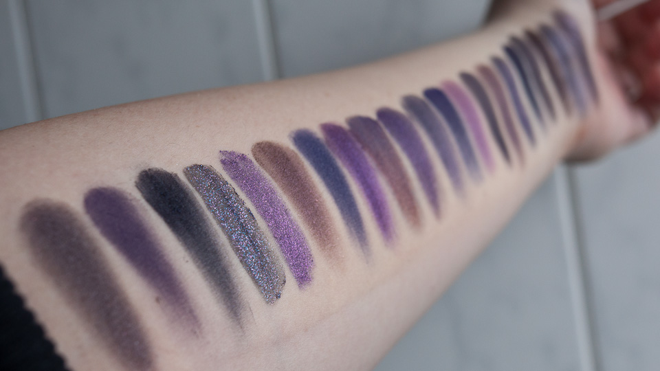Dark Purple Eyeshadows - dunkle violette Lidschatten Smokey Eyes MAC Urban Decay Makeup Geek essence Catrice Manhattan Benecos NARS Dior theBalm YSL-34