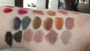 ELLIS FAAS Makeup Swatches (4)