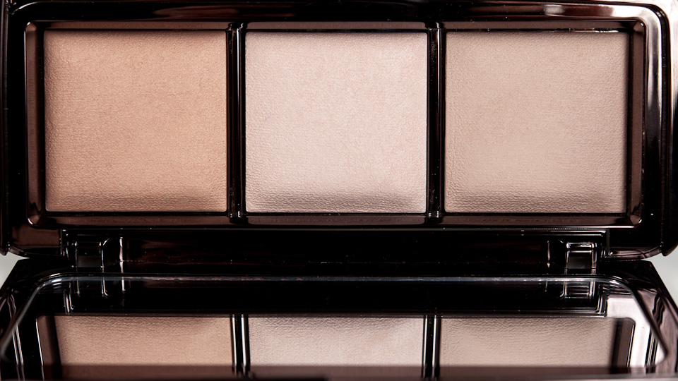 HOURGLASS Ambient Lighting Palette Highlighter Powder Trio Puder