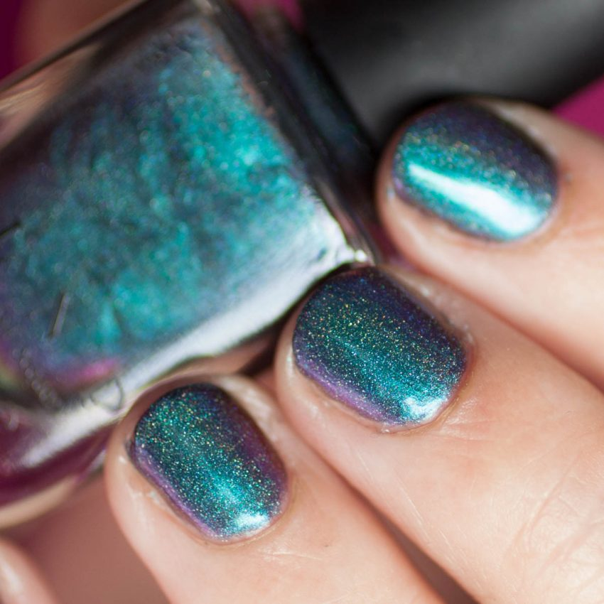 ILNP Hush H Holo I Love Nail Polish Multichrome Nagellack Detail