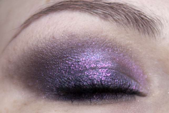 MAC Pinkluxe Veluxe Pearlfusion Shadow Palette Makeup wet Blitz Eye closed