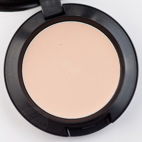 MAC Pro Sculpting Cream Accentuate (18)