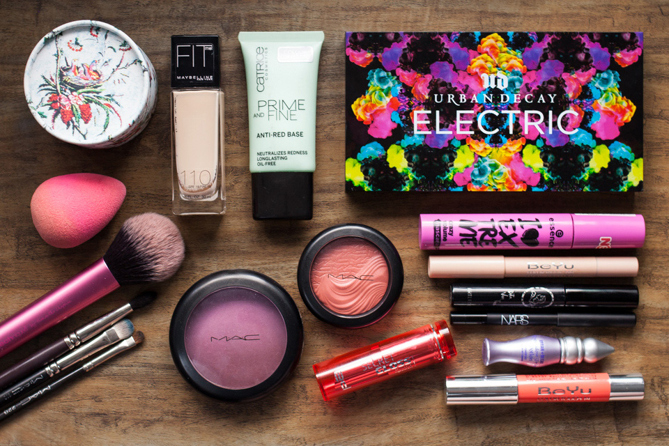 URBAN DECAY Electric Palette Makeup BeautyLOG MAC BeYu Louise Young