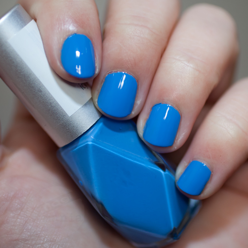 p2 Wintery Blue Icy Touch Nail Polish - Snow Kissed - Blitz